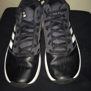 Adidas cloudfoam Basketball shoe